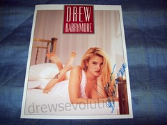 Poison Ivy - Promotional Card (drewsevolution) Tags: beautiful pretty drew ivy autograph card blonde poison promotional poisonivy barrymore drewbarrymore