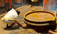 Manjal Neerattu Chengannur Kerala (Ashit Desai) Tags: india festival temple south ceremony kerala ritual bathing turmeric desai 2014 chengannur ashit manjal neerattu vandimala