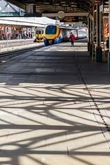 Herringbones (Nodding Pig) Tags: nottingham railway station nottinghamshire england greatbritain uk 2017 train class222 meridian dieselelectric multipleunit 222102 bombardier eastmidlandstrains 201703215754101