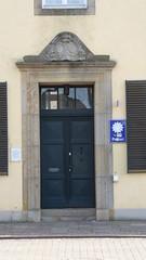 Polizeistation im Herzen von Damme. (Süßwassermatrose) Tags: 2017 germany deutschland märz damme niedersachsen tür door polizei policestation