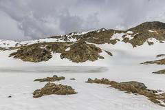 Estanys de La Vall del Riu, Principat d'Andorra (kike.matas) Tags: canon canoneos6d canonef1635f28liiusm kikematas lavalldelriu canillo andorra andorre principatdandorra pirineos paisaje montañas lago nature nieve nubes hielo rocas primavera senderismo lightroom4 андорра