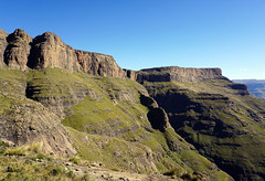 Drakensberg Mountains - View from Sentinel Peak Trail (Julia Kostecka) Tags: drakensbergmountains drakensbergescarpment geology rockformations sentinelpeaktrail tugelafalls chainladdertrail hiking amphitheater waterfall southafrica royalnatalnationalpark