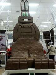 Coelho de chocolate feito em Uberaba bate recorde e entra pro Guinness Book (portalminas) Tags: coelho de chocolate feito em uberaba bate recorde e entra pro guinness book