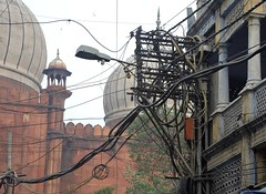 India (Delhi) Chaos of cables (ustung) Tags: india delhi cable chaos street view streetview nikon