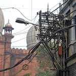 India (Delhi) Chaos of cables thumbnail