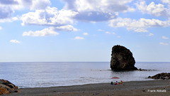 Watching the Rock (Frank Abbate) Tags: guardia piemontese calabria cosenza mare sea scoglio rock regina canon eos 80d ombrellone ☂️