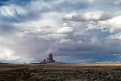 El Capitan (Tonio06fr) Tags: daylight natural landscape desert cloudy elcapitan day usakayenta contrasted blue cloud sky road163 america arizona storm mountain