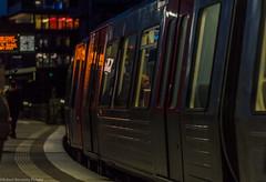 subway (Robert Benatzky Picture) Tags: hamburg ubahn urban robertbenatzkypicture dt5 baumwall evening abends