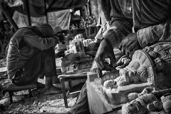 Being an artist (Feca Luca) Tags: street reportage blackwhite work lavoro hindu religion religione people india asia nikon travel life