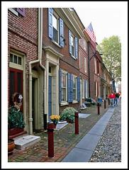 Philadelphia's Historic Elfreth's Alley - 1996 (sjb4photos) Tags: pennsylvania philadelphia elfrethsalleyepson v500