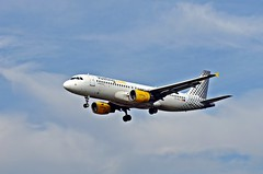 Love The Way You Fly (leszee) Tags: love plane way airplane fly pentax you aeroplane vy airline airbus sa airlines k5 a320 the iag airbusa320 vueling vlg pentaxdslr flyingmachines vuelingairlines airbusa320200 pentaxk5 internationalairlinesgroup fixedwingedaircraft internationalconsolidatedairlinesgroupsa vuelingairlinessa lovethewayyoufly