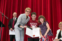 Premier Wynne visits Ecole Sir John A Macdonald to celebrate the completion of its first year. (Premier of Ontario Photography) Tags: ontario its john education kathleen year first government sir wynne celebrate premier visits macdonald ecole completion ontari a kathleenwynne