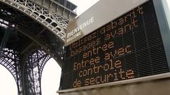 Bienvenue, Eiffel Tower, Paris