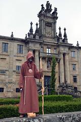Human statue peregrino (Majorshots) Tags: galicia galiza theenglishway caminoingls elcaminoingls ferroltosantiagodecompostela
