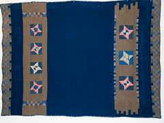 P8141271 (MizGingerSnaps) Tags: pink blue summer usa brown green night virginia sand quilt mud recycled linen contemporary gray navy khaki indigo august nightshift cotton clay solids quilting medallion finished williamsburg quilted freehand patchwork improvised scrap cobalt primitive 25years pinkandgreen day226 improvisational 9patch makingdo vintagefabrics fourelements handquilted 52weeks upcycled blueandbrown week33 machinepieced 2013 3352 perlecotton machinequilted airearthfirewater sandseaskystars