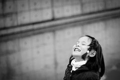 Childhood (susivinh) Tags: blackandwhite blancoynegro monochrome smile childhood children happy monocromo child daughter content happiness nia laugh laughter sonrisa felicidad feliz niez risa contentment hija contenta contento reir