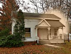 Ghost of the Past (drei88) Tags: ohio historic oldhouse portage frontporch hiram mantua countryhouse centuryhome portagecounty garrettsville portagecountyohio hiramtownship