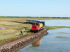 09-08-04 Wangerooge Anleger Ausf 399 108 - 0 - 07 (tramfan239) Tags: db wangerooge 399 diesellok 1000mm inselbahn schöma schmalspurbahn westanleger
