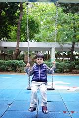 DSC00320 (Shun Daddy) Tags: life family baby zeiss 35mm hongkong prime kid child bokeh sony snapshot carl fe fullframe  za  ff f28 a7  sonnar   2013  mirrorless  sonnart2835 sel35f28z