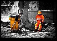 Barranco Style - More color around pls (idoazul) Tags: street people lima streetphoto resting barranco selectivecolor robado perú