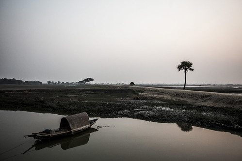 Returning back at sunset in Shaatkhira, Bangladesh. Photo by Felix Clay/Duckrabbit.