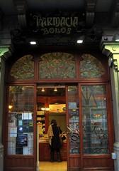 Farmacia Bolos  in Barcelona (Sokleine) Tags: barcelona architecture spain catalonia espana artnouveau boutique espagne barcelone oldshop catalogne bellepoque boutiquedantan