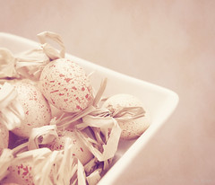 softness (t1ggr) Tags: pink white texture decorative egg samsung eggs textured csc softtones ringexcellence dblringexcellence tplringexcellence nx1100