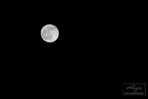 """The moon • <a style=""""font-size:0.8em;"""" href=""""http://www.flickr.com/photos/104879414@N07/13893484394/"""" target=""""_blank"""">View on Flickr</a>"""