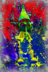 El duende de la flauta (seguicollar) Tags: imagencreativa photomanipulación art arte artecreativo artedigital virginiaseguí duende flauta música brillante color colorido colores capuchón