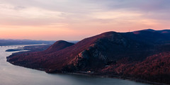 HIGHLANDS GLOW (pidalaphoto) Tags: crowsnestmountain viewofbreakneck sunset viewofcoldspring highlandny earlyspring fullmoon pitchingpoint hudsonriver newyork hudsonhighlands hudsonvalley