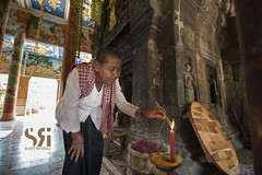 Maha Sangran (Scott Rotzoll) Tags: dia kampuchea buddhist buddhism shrine prayer incense candles temple grandmother tradition travel newyear chnamtmey kampongcham wat nokor bachey