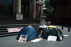 Mobilisation, rue Donceles (Photo Ambulante) Tags: méxico payso chapultepec clown travel viaje