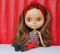 red wall & cinnamon girl