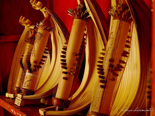 SASANDO alat musik tradisional Nusa Tenggara Timur, Indonesia.