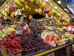 Barcelona 2017: Fruit loose (mdiepraam) Tags: barcelona 2017 laboqueria foodmarket fruit