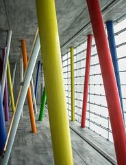 Mikado (Karl-Heinz Bitter) Tags: architektur deutschland leipzig architecture germany bahnhof underground ubahnstation bunt streben mikado karlheinzbitter trainstation
