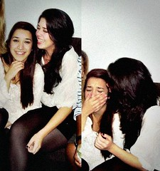 . (lizmorena) Tags: girls bestfriend brunettes smile beautiful friendship cute love lizmorena