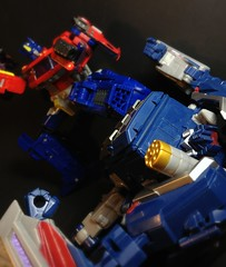 Retaliation (Omega~Charge) Tags: toys prime fight battle transformers optimus vs soundwave