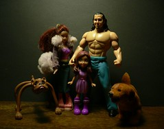 A happy family (Alkiyan) Tags: dog matt chelsea barbie bulldog plastic figure polly wrestler pocket figurine jouet hardy jakks poupe schleich