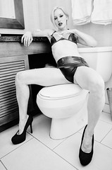 Orias - Bathroom Set (David Arran Photography) Tags: fetish nude bathroom highheels latex fetishcon