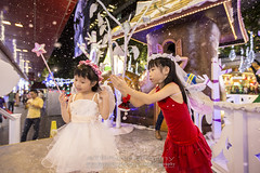 Merry X'mas 2013 (AT.Photography) Tags: street family red portrait white cute love colors childhood closeup kids angel night season print children fun amazing model lowlight singapore colorful asia pretty display bokeh modeling great models chinese longhair adorable wideangle sharp lovely merrychristmas greeting f28 orchardroad 6d 1635 2013 ef1635mmf28liiusm