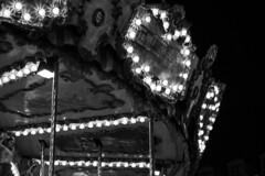 Techo de tiovivo (Koke Hernn) Tags: christmas blackandwhite bw espaa blancoynegro night lights navidad luces noche blackwhite spain carousel bn valladolid merrygoround tiovivo carrusel nikond3200 castillayleon 2013