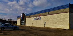 Goodwill Alliance (Nicholas Eckhart) Tags: ohio usa retail america us thrift oh stores goodwill alliance 2013