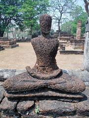 (Lalallallala) Tags: trip travel thailand buddha ruin unescoworldheritagesite thaimaa kamphaengphet