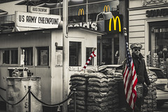 Colours of freedom (Neo Love) Tags: berlin black white street photography world war 2 american soldier mcdonalds capitalism checkpoint charlie germany