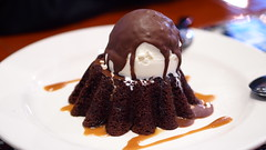 Chili's-黑火山巧克力蛋糕 (迷惘的人生) Tags: epl3 chilis