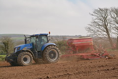 New Holland T6070 Tractor with a Horsch Pronto DC4 Seed Drill (Shane Casey CK25) Tags: new holland t6070 tractor horsch pronto dc4 seed drill cnh newholland casenewholland blue sow sowing set setting drilling tillage till tilling plant planting crop crops cereal cereals county cork ireland irish farm farmer farming agri agriculture contractor field ground soil dirt earth dust work working horse power horsepower hp pull pulling machine machinery grow growing nikon d7100 tracteur traktori traktor trekker trator ciągnik oysterhaven
