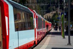 Trains in Tiefencastel: GEX white (3/4) (jaeschol) Tags: europa graubuenden grischuna kantongraubünden kontinent schweiz suisse switzerland tiefencastel albulaalvra graubünden ch