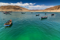 empty boats (Luis_Garriga) Tags: puerto caleta cifuncho atacama chile playa desierto cielo nubes tokina tokina1116 d5200 nikon landscape blue green nature colors