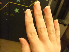 DSCF6980 (ongle86) Tags: ongles nails rongés biting pouce thumb sucé sucking doigts fingers hand mains fetishisme